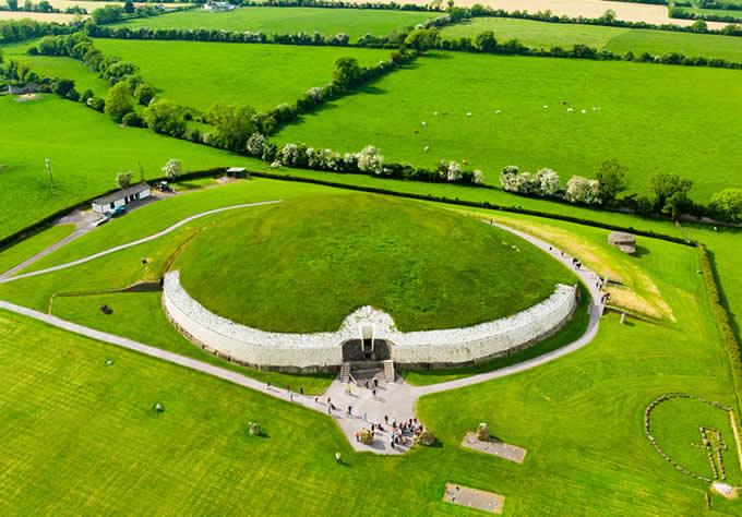 Newgrange - Tumba