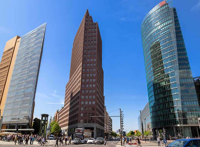 Potsdamer Platz, em Berlim - Diversos prédios altos